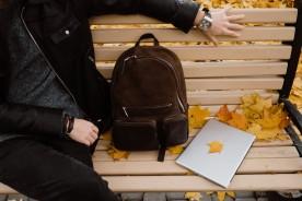 I colori dell'autunno 2021 nell'abbigliamento: le nuove tendenze e i must have