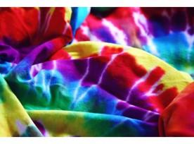 I look effetto Tie Dye per un'estate alla moda